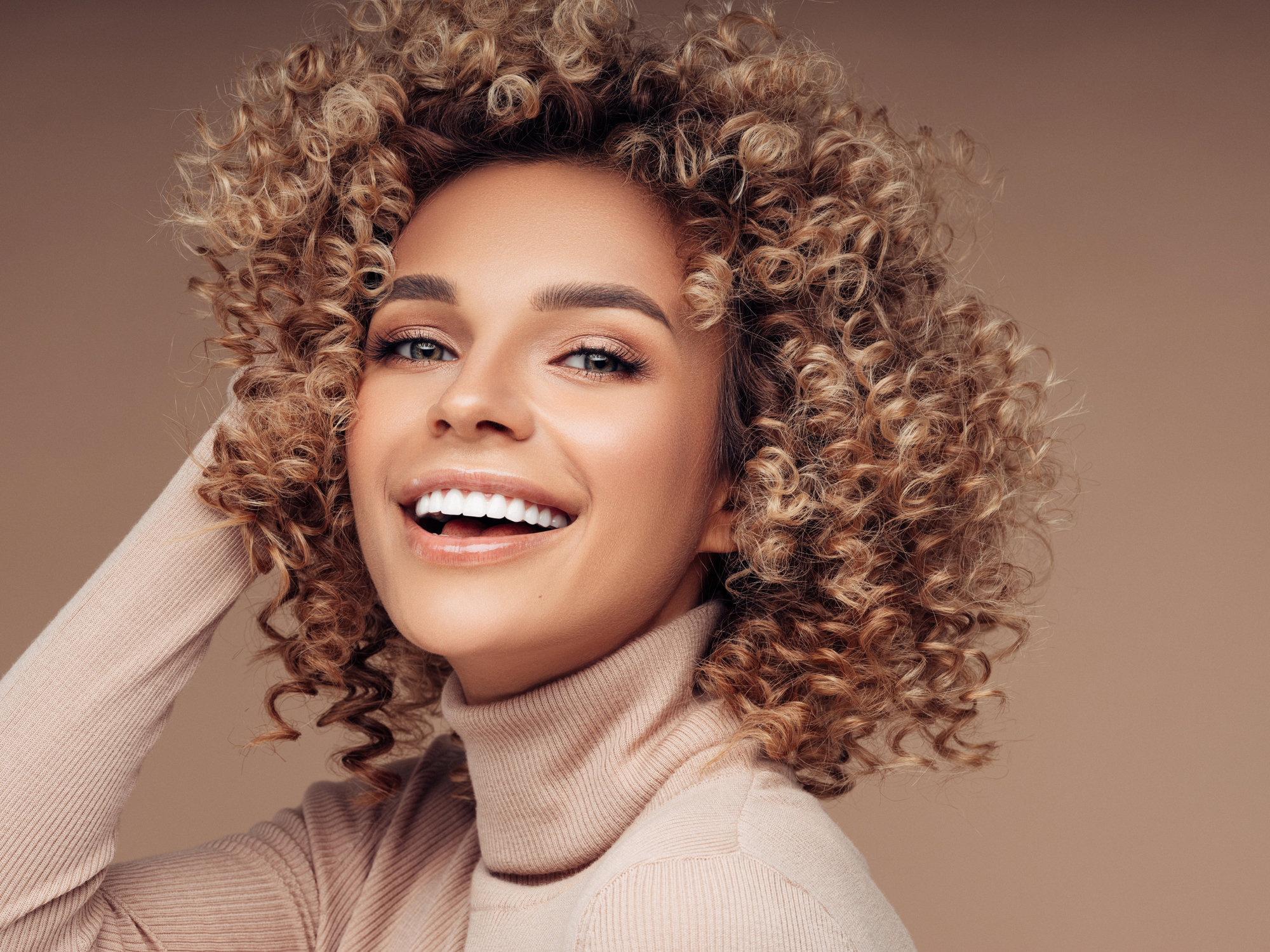Natural Curls With Highlights